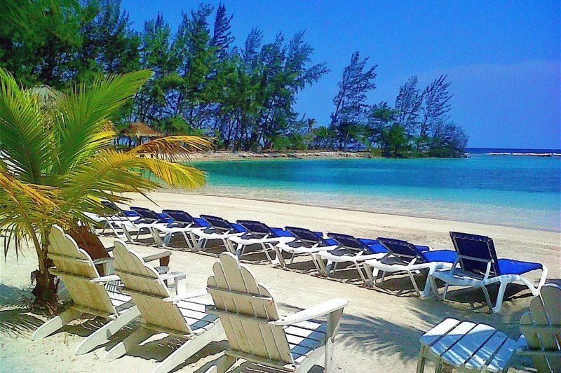 Fantasy_Island_Beach_Resort_Dive_Marina (1)